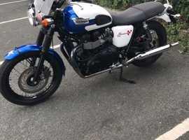 Triumph Bonneville T214 (T100 Black)