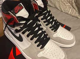 Nike Jordan 1 Retro High Light Smoke Grey Trainers