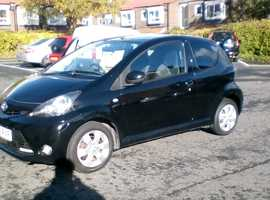 Toyota Aygo, 2012 (12) Black Hatchback, Manual Petrol, 81,000 miles