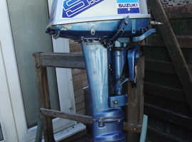 Suzuki 9.9hp Two stroke outboard engine with Mercury fitting for fuel line