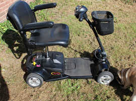 PRIDE APEX LITE - 4MPH CLASS 2 PORTABLE MOBILITY SCOOTER 13 months old