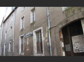 Closed hotel in city center of french city