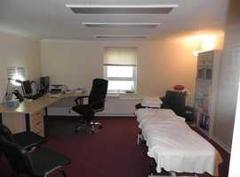 Office to let with D1 use close to Redhill town centre