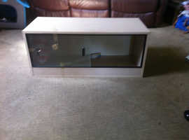 Nearly new vivarium