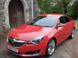 Vauxhall Insignia, 2015 (65) Red Hatchback, Manual Petrol, 35,000 miles