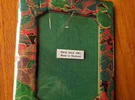 NEW THAI SILK PICTURE / PHOTO FRAME MADE IN THAILAND 6X5 INS FREESTANDING