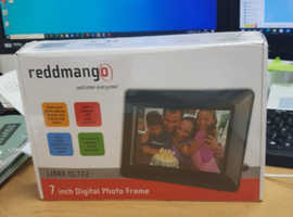 Brand new 7'' digital photo frame