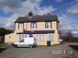 4 roons to let large house