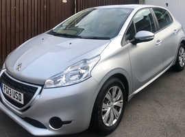 Peugeot 208, 2013 (13) silver hatchback, Manual Petrol, 51,800 miles