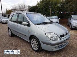 Renault Scenic Dynamique 1.6 Litre 5 Door MPV, The Perfect Family Car, New MOT (Exp March 2020).