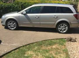 Vauxhall Astra, 2009 (59) Silver Estate, Manual Diesel.