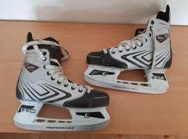 Ice Skates. Adults size 8 (euro size 42)