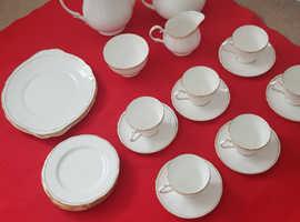 Ascot Dutchess White Gold Tea/coffee set