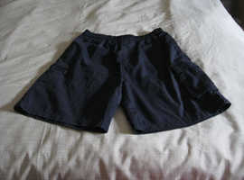Navy shorts (size M/L - approx 28 inch waist)