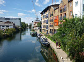 7 - 8 large desks to let in bright, shared office in Haggerston