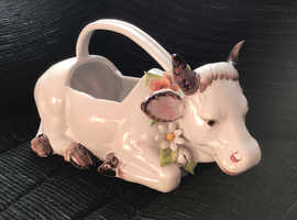 Extremely rare. Large, Italian, china, lying down cow, gorgeous !