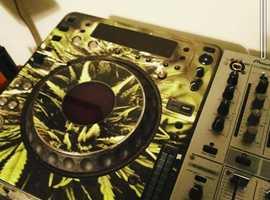 Pioneers CDJ1000 Mk3 & Pioneer DJM600 mixer and steel stand.