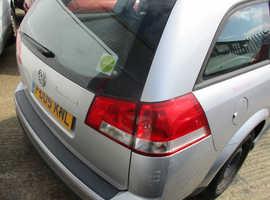 Vauxhall Vectra, 2005 (05) Silver Estate, Manual Petrol, 136,711 miles