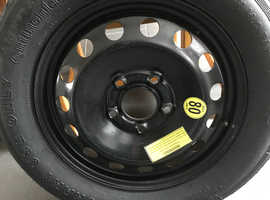 Space saver car wheel and tyre