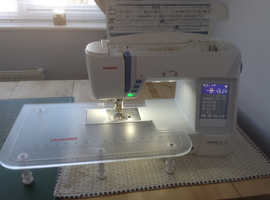 SEWING MACHINE BARGAIN WITH LOTS OF FREE EXTRAS