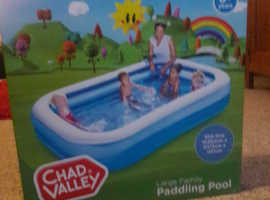 BRAND NEW xxl paddling pool
