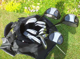Full set of new right-handed golf clubs with golf bag and 300+ golf balls