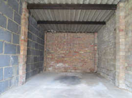 Ilford IG6 ~ Lock up garage to let in Tomswood Hill, Barkingside ~ High Street Location!