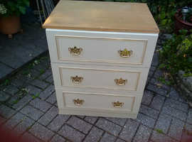2 Bedroom chest of drawers