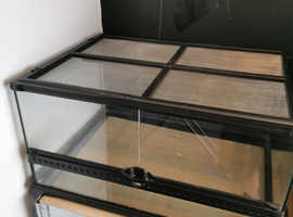 Exo-Terra Medium/low 60*45*30 vivarium
