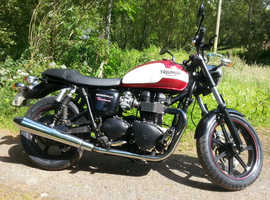 Beautiful Retro Triumph Bonneville Newchurch