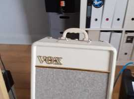 VOX AC4 Guitar Amp- Great practice/bedroom amp for all geners of music!