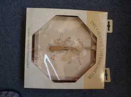 Decorative thermometer