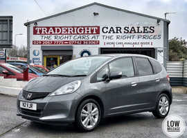 2015/15 Honda Jazz 1.4 i-VTEC ES Plus finished in Mineral Grey Metallic, 22041 miles