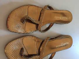 Russell&bromley size 5