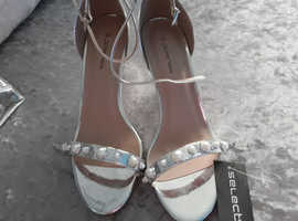 Shoes size 6 and bag