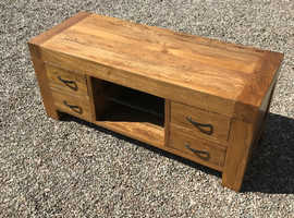 Solid oak TV stand & matching side tables