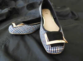 CHIC & ELEGANT B&W HOUNDSTOOTH DESIGN FLATS WITH FEATURE BUCKLE