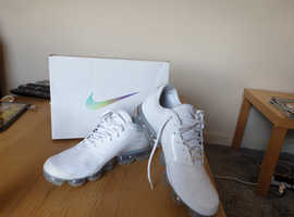 Nike Air vapormax UK size 10 white brand new from JD Sports bought the wrong size have receipt