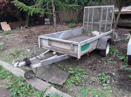 Rare indespension 2.5 metre by 1.25 metre gp 1300kg ramp trailer