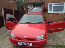Toyota Starlet, 1996 (P) Red Hatchback, Manual Petrol, 89,000 miles