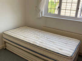 Single bed with trundle pull out
