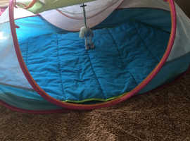 Toddler pod tent