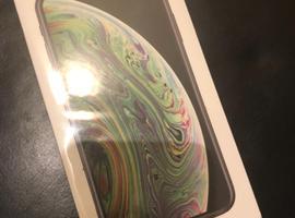 Unused Unlocked iPhone XS 64 G