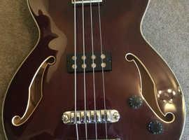 Ibanez AGB 200 semi-acoustic bass guiar