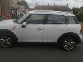 Mini MINI COUNTRYMAN, 2012 (12) White Hatchback, Manual Diesel, 132,000 miles
