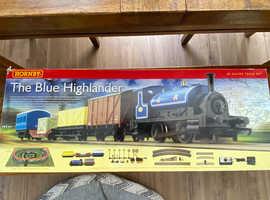 Hornby The Blue Highlander Train Set