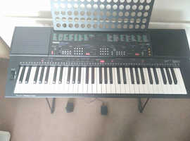Yamaha PSR 400 Professional Electronic Keyboard With Foot Pedal & Stand
