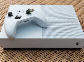 XBOX ONE S BOXED IN GREAT CONDITION