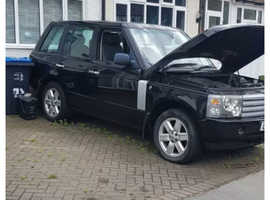 Range Rover L322 in Black Breaking 2002 4.4 V8 with 99k Miles 95% of Parts Available. Vehicle breaking
