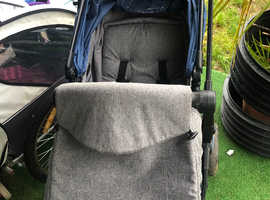 Pram and attachable car seat